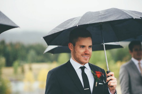 Rainy-Mountain-Wedding-in-Quarry-Lake-Park-Joelsview-Photography-4
