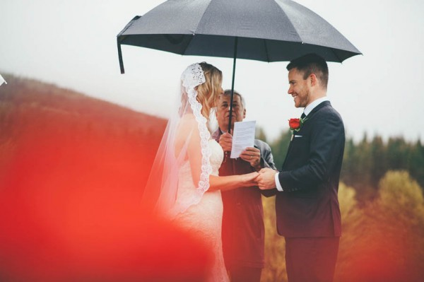Rainy-Mountain-Wedding-in-Quarry-Lake-Park-Joelsview-Photography-5