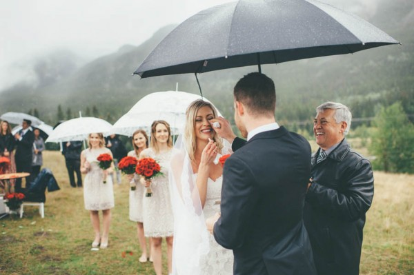 Rainy-Mountain-Wedding-in-Quarry-Lake-Park-Joelsview-Photography-9