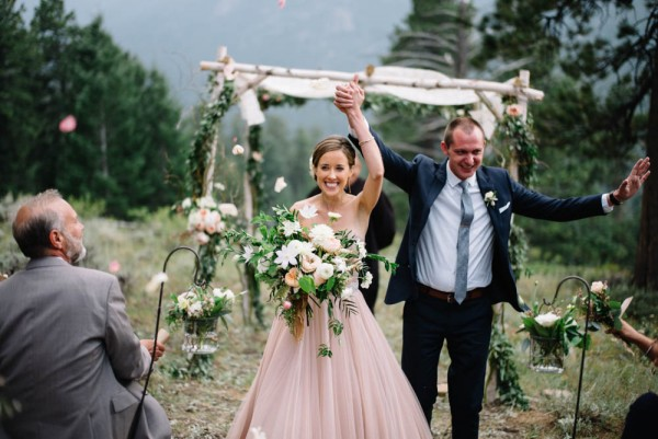 Romantic-Estes-Park-Wedding-at-Taharaa-Mountain-Lodge (13 of 27)