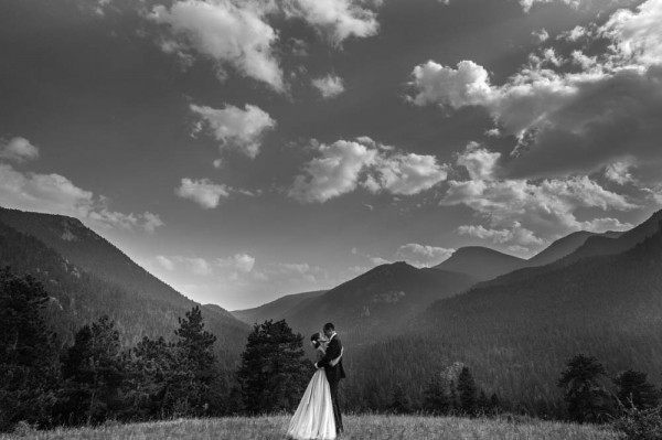 Romantic-Estes-Park-Wedding-at-Taharaa-Mountain-Lodge (18 of 27)
