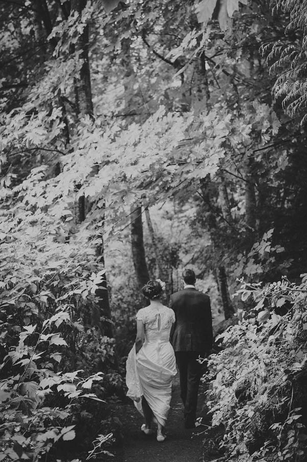 Sentimental-Vancouver-Island-Wedding-at-The-Dolphins-Resort-Jennifer-Armstrong-Photography-16