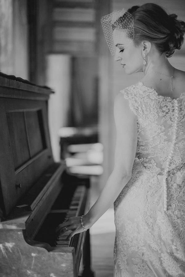 Shabby-Chic-Texas-Bridal-Session-Shaun-Menary-Photography-11