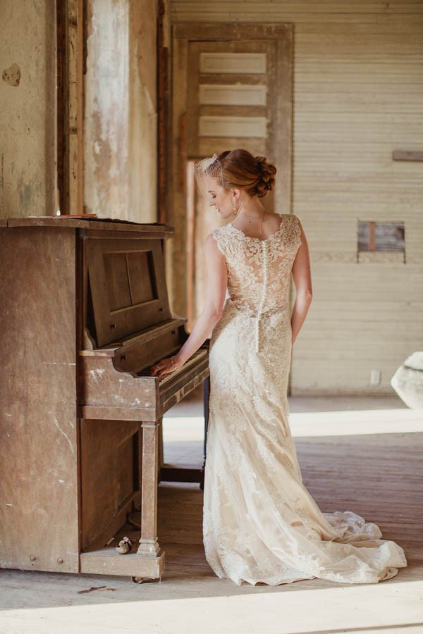 Shabby-Chic-Texas-Bridal-Session-Shaun-Menary-Photography-12