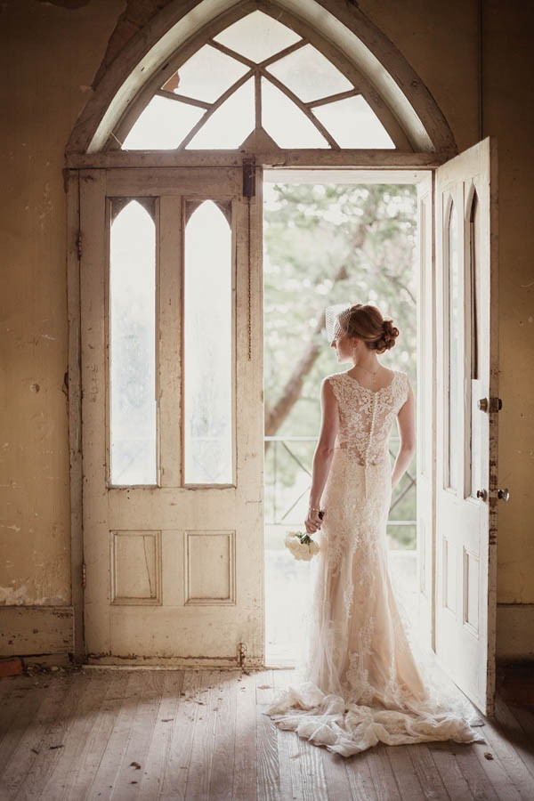 Shabby-Chic-Texas-Bridal-Session-Shaun-Menary-Photography-13