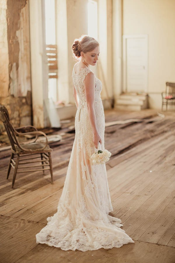 Pictures Of Shabby Chic Wedding Dresses : Shabby chic texas bridal session junebug weddings