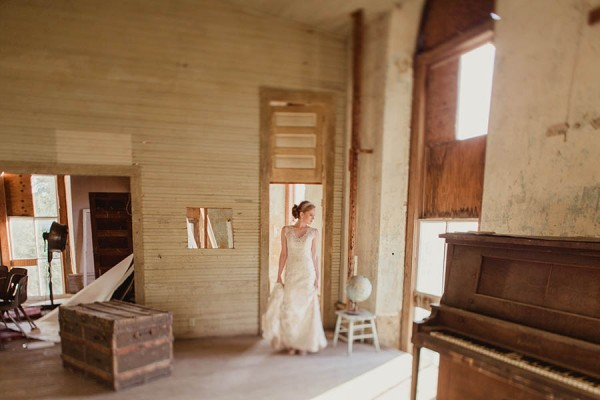 Shabby-Chic-Texas-Bridal-Session-Shaun-Menary-Photography-9