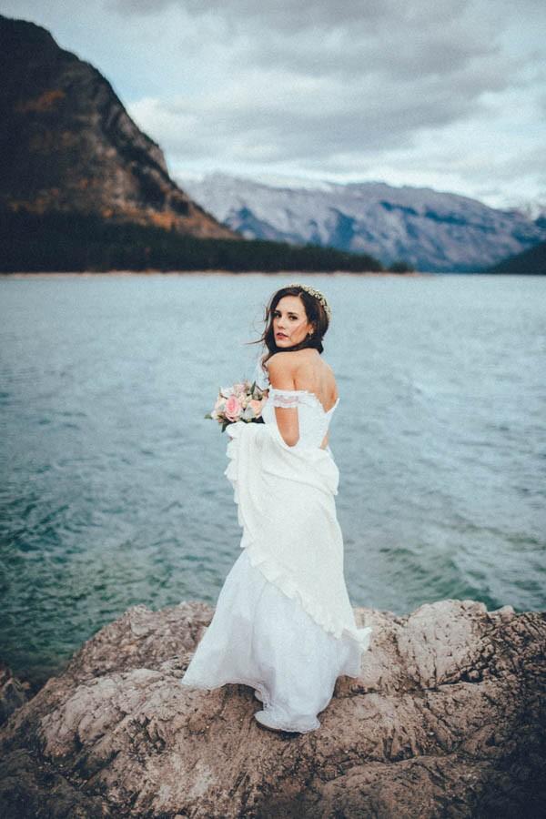 Stunning Banff Elopement in the Tunnel Mountain Reservoir | Junebug ...