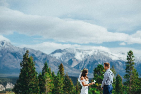 Stunning-Banff-Elopement-in-the-Tunnel-Mountain-Reservoir-Tricia-Victoria-Photography-8