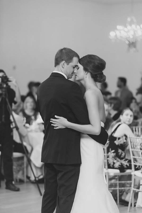 Timelessly-Romantic-Kansas-City-Wedding-Catherine-Rhodes-Photography-29