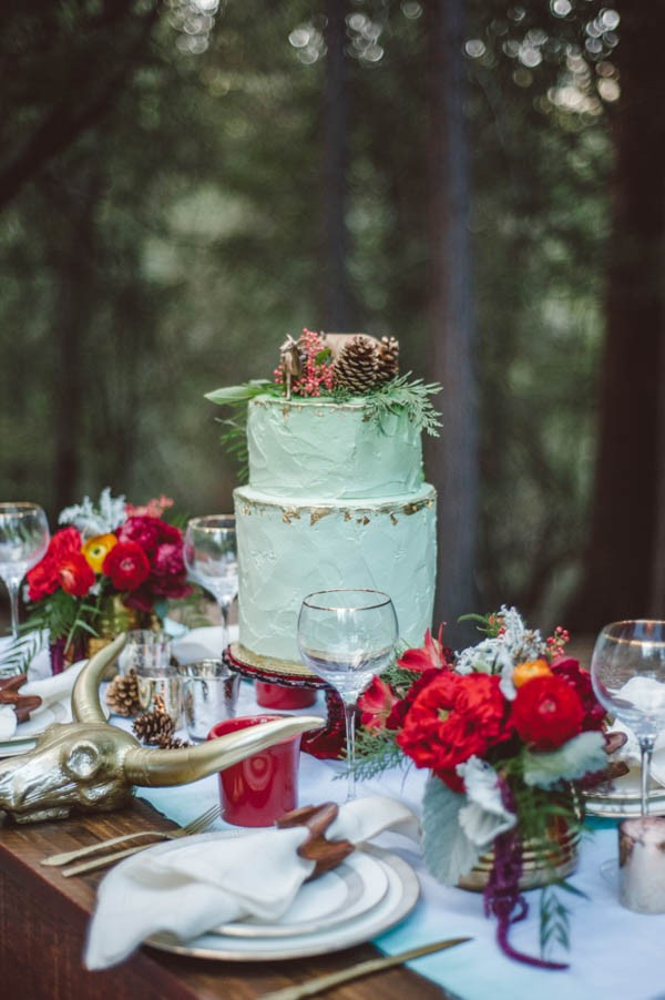 Vibrant-and-Earthy-Forest-Wedding-Inspiration-in-the-Palomar-Mountains-Color-and-Cake-Photography-17