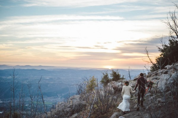 Vibrant-and-Earthy-Forest-Wedding-Inspiration-in-the-Palomar-Mountains-Color-and-Cake-Photography-23