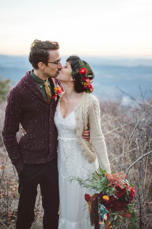 Vibrant-and-Earthy-Forest-Wedding-Inspiration-in-the-Palomar-Mountains-Color-and-Cake-Photography-29