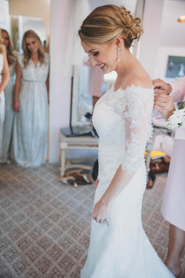 Kate spade would definitely approve of this black white and gold black white gold wedding guglielmo winery 10 junglespirit Image collections