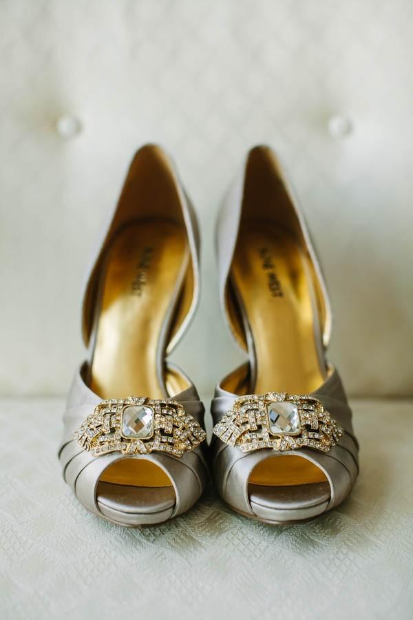 Black-White-Metallic-Ontario-Warehouse-Wedding-A-Brit-and-A-Blonde-9