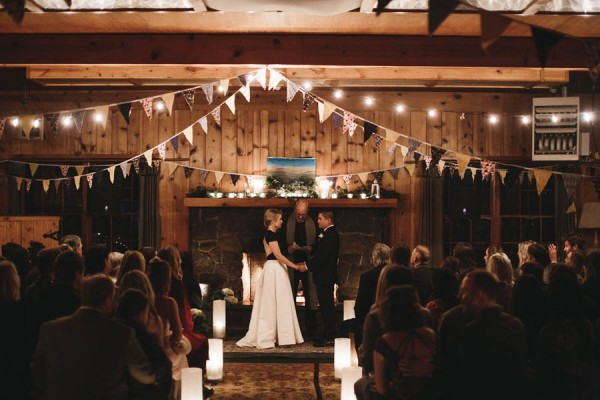 Black-and-White-Log-Cabin-Wedding-Pure-Cozy-Chic-19