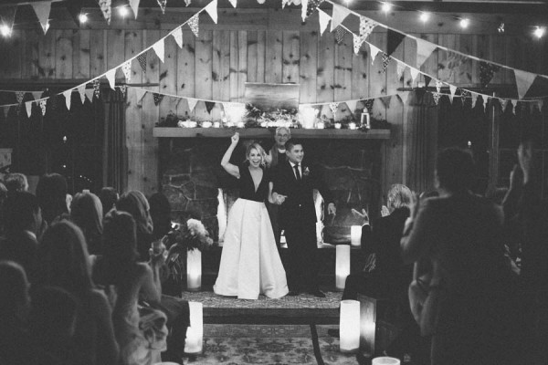 Black-and-White-Log-Cabin-Wedding-Pure-Cozy-Chic-21