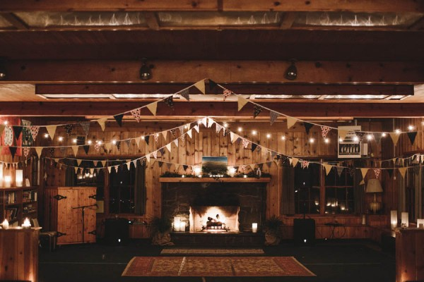 Black-and-White-Log-Cabin-Wedding-Pure-Cozy-Chic-25