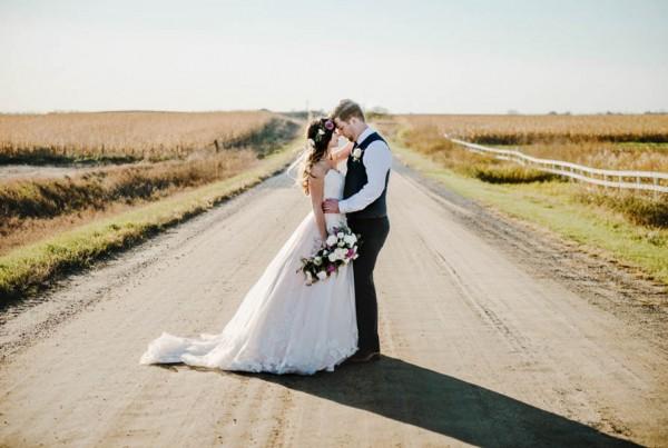 Bohemian-Iowa-Wedding-at-The-Rustic-Rose-Barn-Amanda-Basteen-34