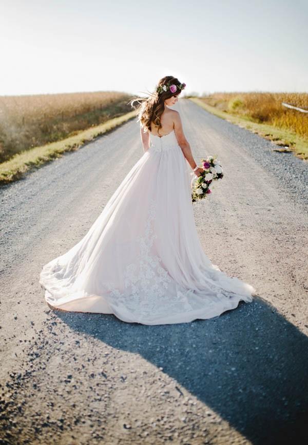 Bohemian-Iowa-Wedding-at-The-Rustic-Rose-Barn-Amanda-Basteen-37