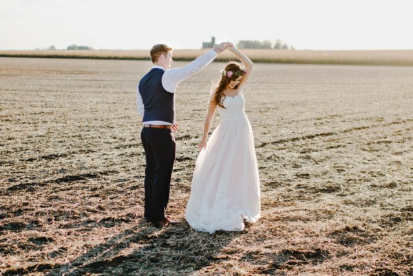 Bohemian-Iowa-Wedding-at-The-Rustic-Rose-Barn-Amanda-Basteen-38