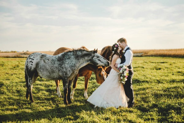 Bohemian-Iowa-Wedding-at-The-Rustic-Rose-Barn-Amanda-Basteen-39