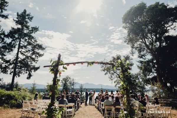 Boho-Cabin-Wedding-Bodega-Ridge-Taylor-Roades-14