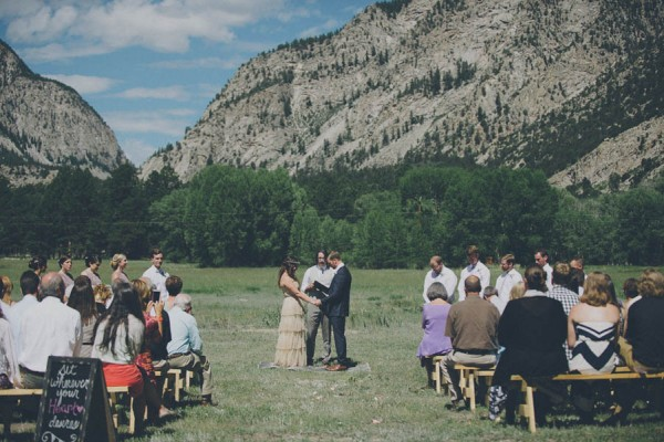 Casual-Colorado-Wedding-at-Bighorn-Lodge-This-is-Feeling-16