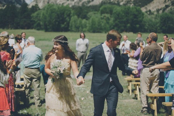 Casual-Colorado-Wedding-at-Bighorn-Lodge-This-is-Feeling-19