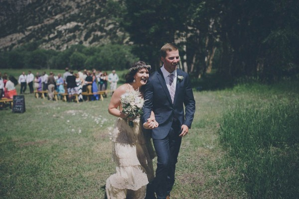Casual-Colorado-Wedding-at-Bighorn-Lodge-This-is-Feeling-20