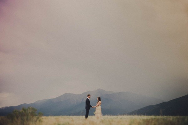 Casual-Colorado-Wedding-at-Bighorn-Lodge-This-is-Feeling-4