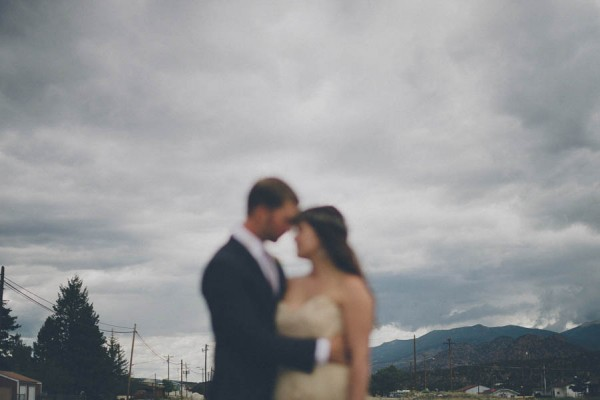 Casual-Colorado-Wedding-at-Bighorn-Lodge-This-is-Feeling-6