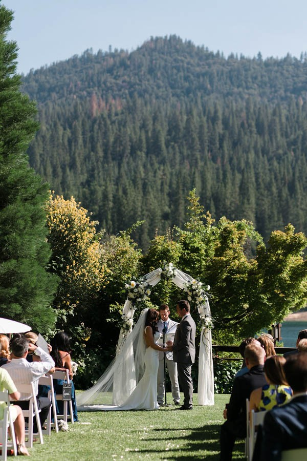 Chic-Blue-and-White-Wedding-Overlooking-Bass-Lake-Tim-and-Jess-Photography-24