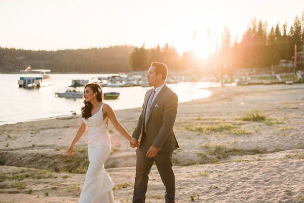 Chic-Blue-and-White-Wedding-Overlooking-Bass-Lake-Tim-and-Jess-Photography-33