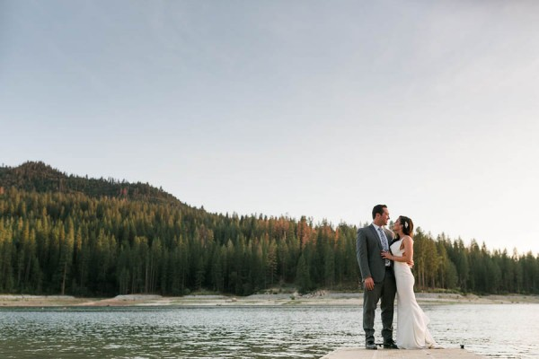 Chic-Blue-and-White-Wedding-Overlooking-Bass-Lake-Tim-and-Jess-Photography-34