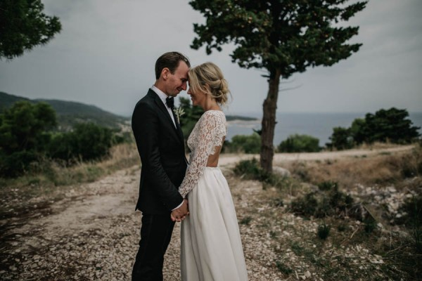 Chic-Rustic-Croatian-Wedding-at-Fort-George-Irina-Matej-Weddings-12