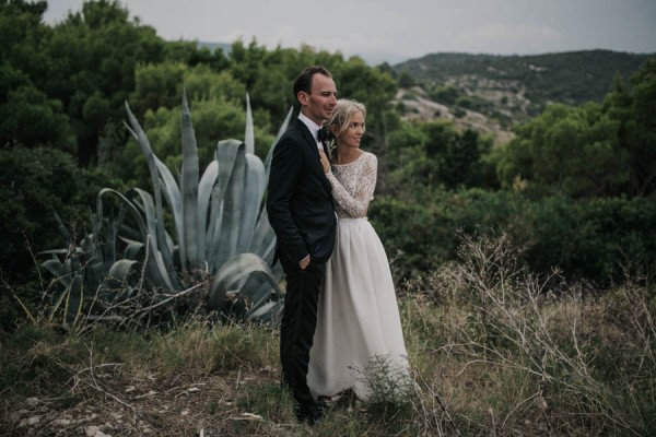 Chic-Rustic-Croatian-Wedding-at-Fort-George-Irina-Matej-Weddings-13