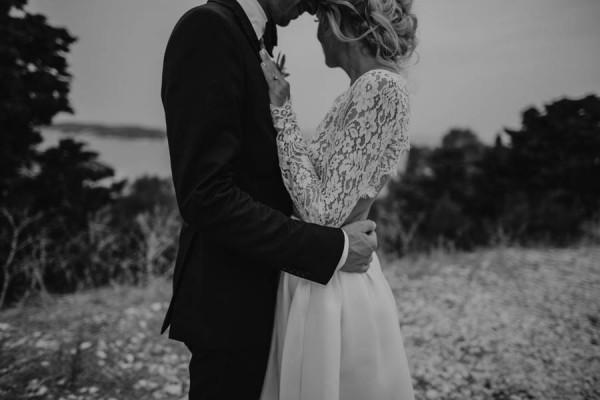 Chic-Rustic-Croatian-Wedding-at-Fort-George-Irina-Matej-Weddings-16