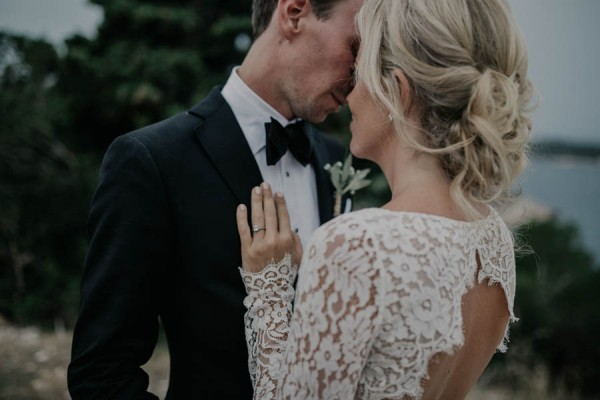Chic-Rustic-Croatian-Wedding-at-Fort-George-Irina-Matej-Weddings-18