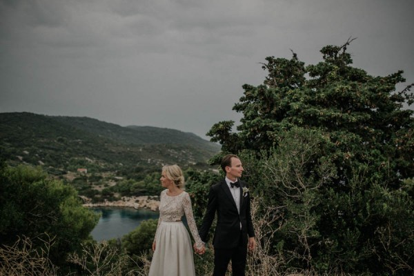 Chic-Rustic-Croatian-Wedding-at-Fort-George-Irina-Matej-Weddings-19