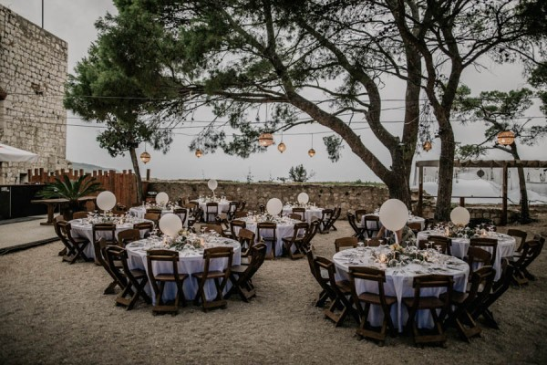 Chic-Rustic-Croatian-Wedding-at-Fort-George-Irina-Matej-Weddings-20