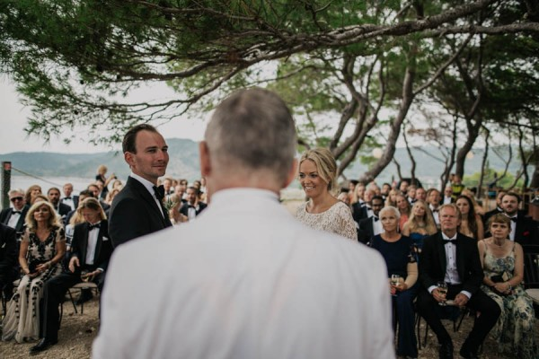 Chic-Rustic-Croatian-Wedding-at-Fort-George-Irina-Matej-Weddings-6