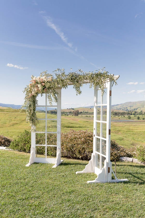 Classic-California-Wedding-at-Taber-Ranch-Kate-Whelan-Events-11-600x900