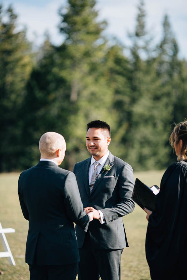 Earthy-Tunnel-Mountain-Reservoir-Wedding-Heart-and-Sparrow-Photography-10