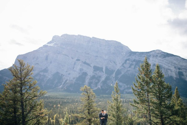 Earthy-Tunnel-Mountain-Reservoir-Wedding-Heart-and-Sparrow-Photography-21