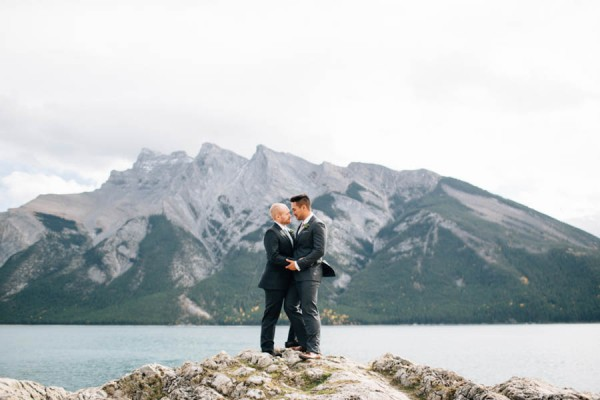 Earthy-Tunnel-Mountain-Reservoir-Wedding-Heart-and-Sparrow-Photography-29