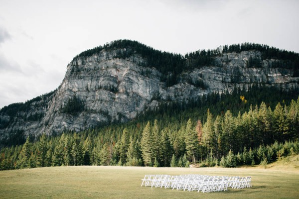 Earthy-Tunnel-Mountain-Reservoir-Wedding-Heart-and-Sparrow-Photography-3
