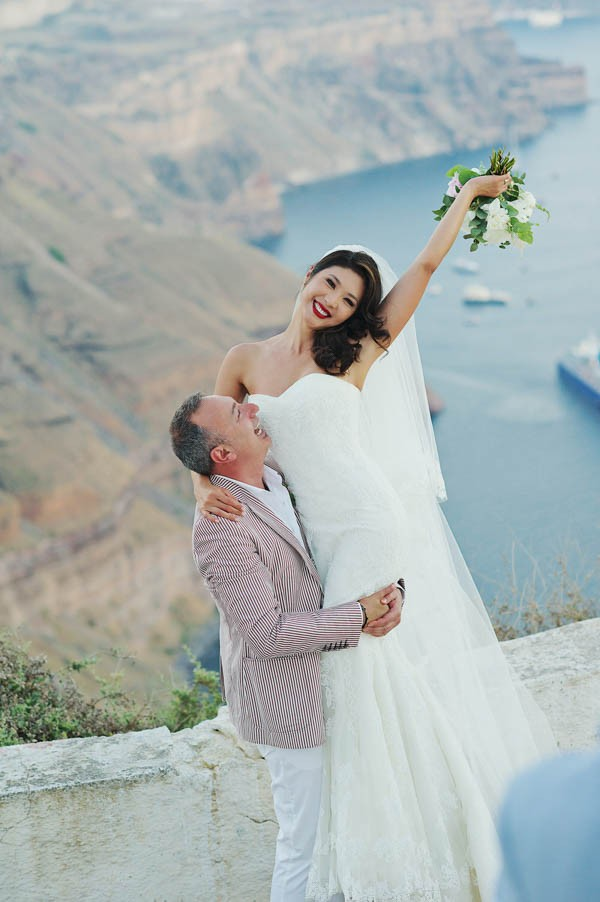 Glamorous-Santorini-Wedding-at-the-Anastasi-Church-Thanasis-Kaiafas-14