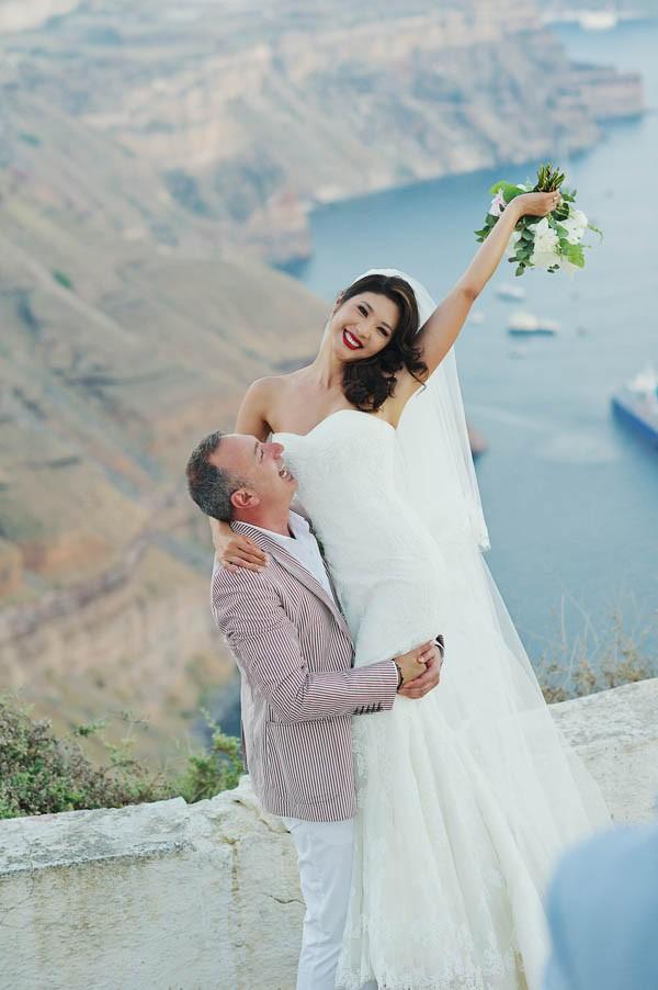 Glamorous-Santorini-Wedding-at-the-Anastasi-Church-Thanasis-Kaiafas-14
