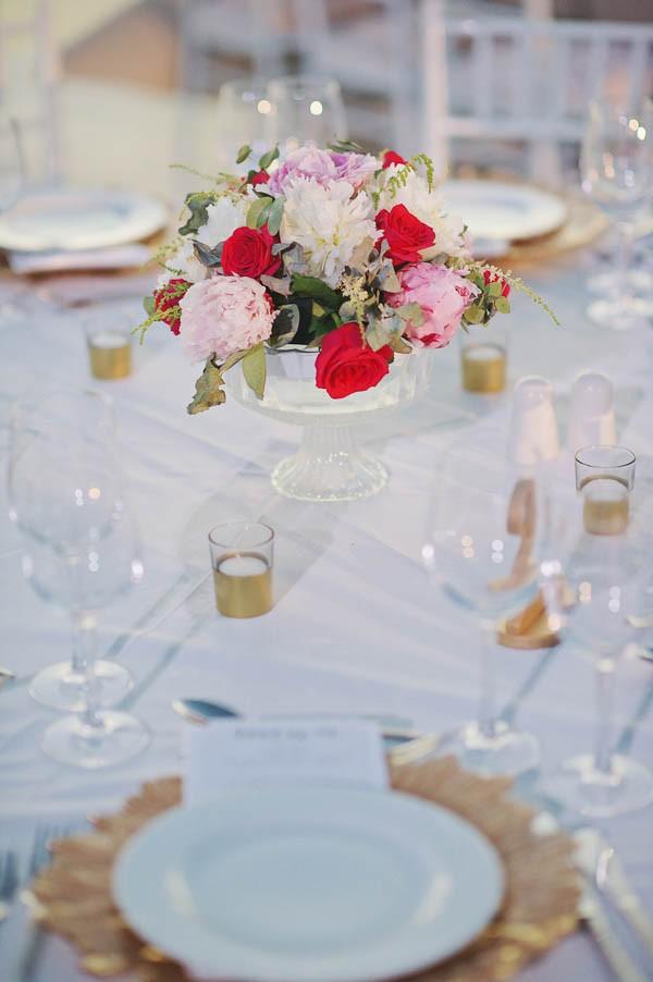 Glamorous-Santorini-Wedding-at-the-Anastasi-Church-Thanasis-Kaiafas-16